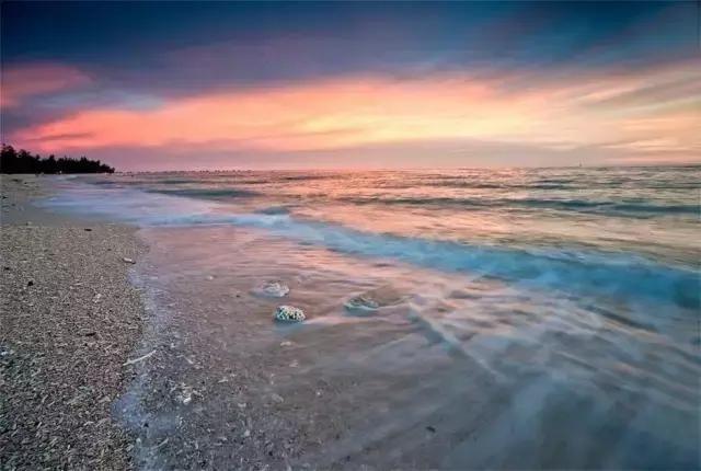 北海游泳偷拍_进入5月后,阳光较好,适宜下水游泳,也是传统的北海,涠洲岛旅游旺季的