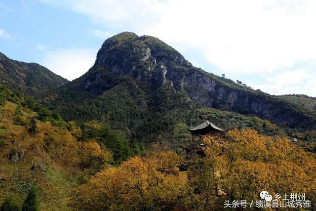漫步于幽静的荆州小九华风景名胜区,感受天高云阔,碧水连天.