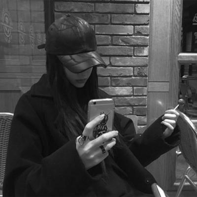 微信头像女生霸气黑白照片