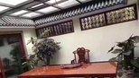 武汉公司采购8000买的大板桌,老总以为是10万极品货,夸赞不停!