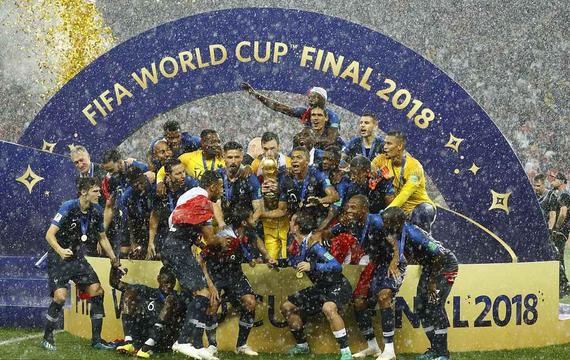 组图-格子破门 法国4-2克罗地亚获世界杯冠军