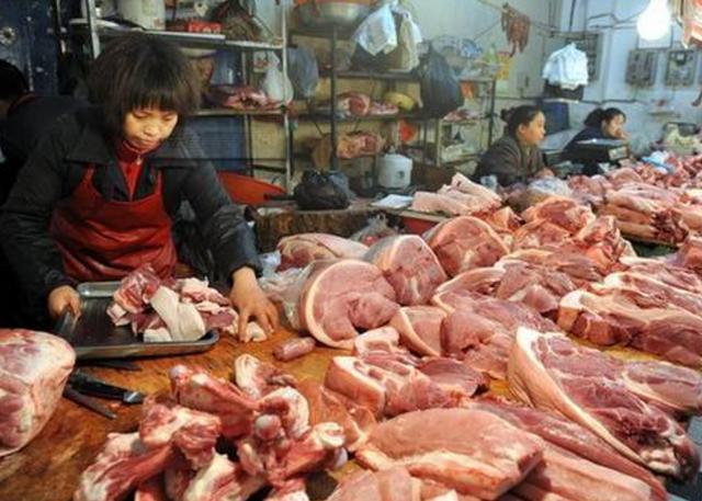 外国人从来都不吃猪肉的原因,看完后吓得我只