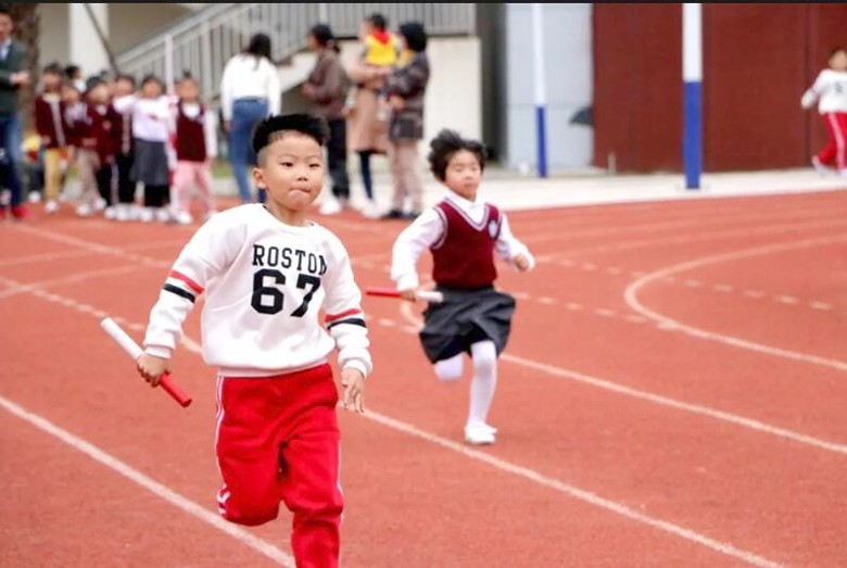 趣味体育 悦动童年
