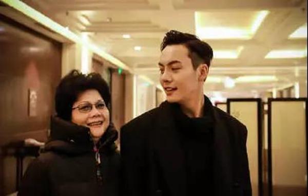 母亲节特刊 陈伟霆最爱喝妈妈煲的汤