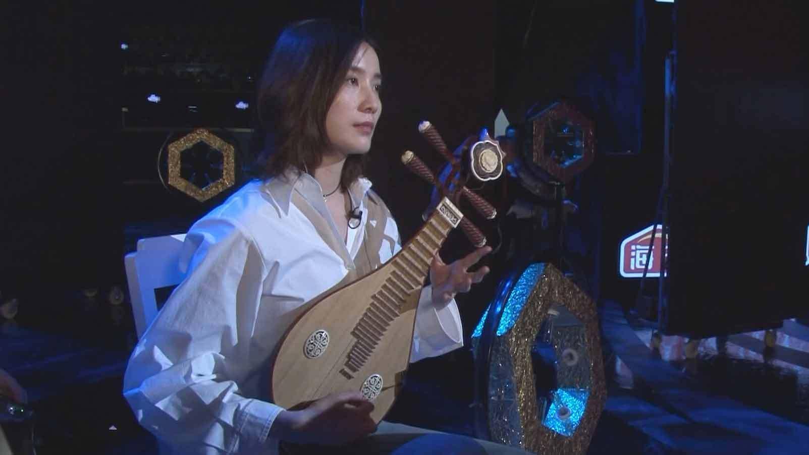 《每日文娱播报》20200315影视圈冷门技能:宋佳弹柳琴