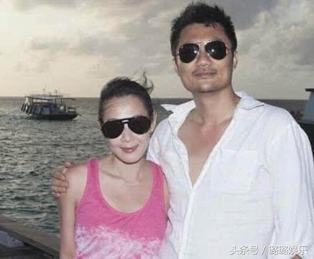 48岁刘若英一家,老公背景显赫儿子似爸,今变大