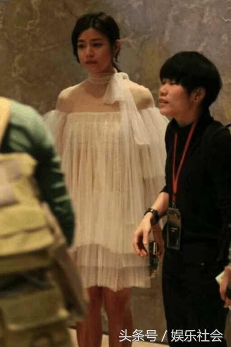 陈妍希穿透明蚊帐,顾不及下面 网友:乌黑一片太尴尬了!