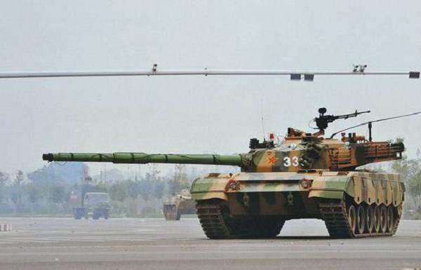 中国支持巴铁升级一老坦克,印度急红眼满世界的找人帮忙