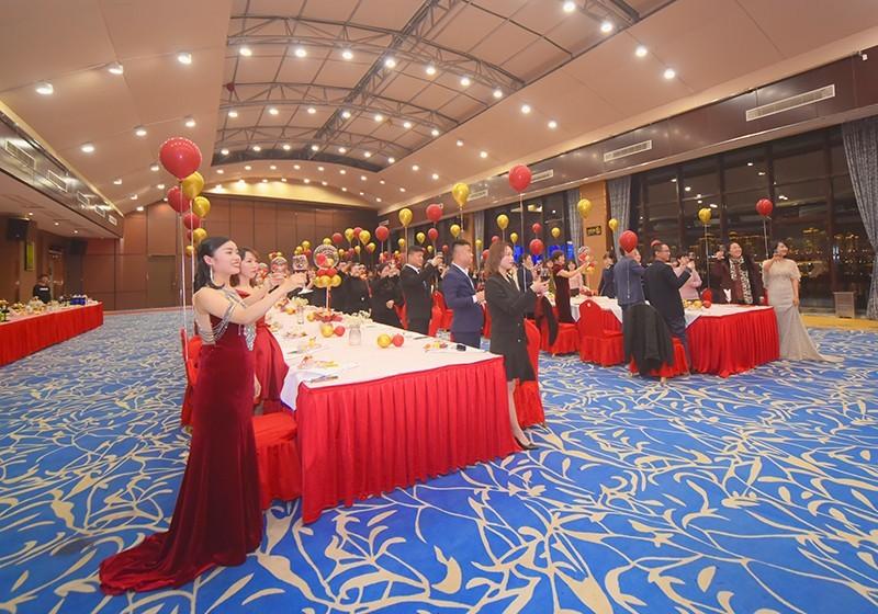 四川帜同教育集团成立大会暨年会隆重