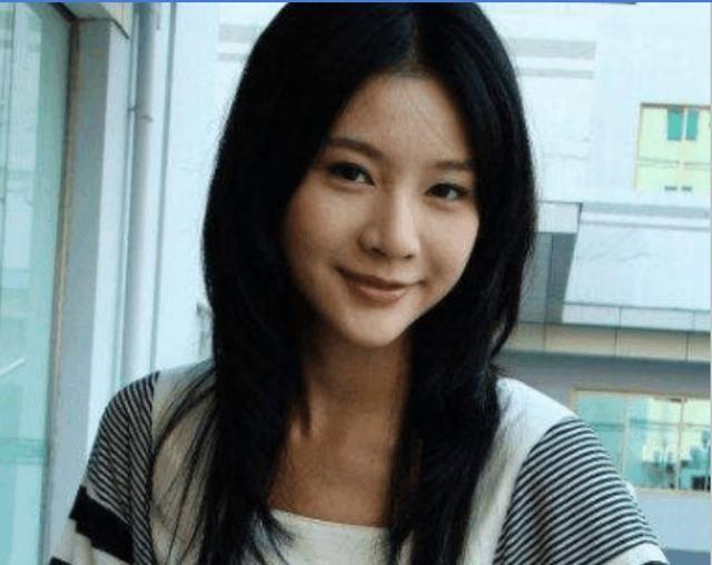 她是李幼斌女儿,坐月子惨遭家暴,27岁含恨而