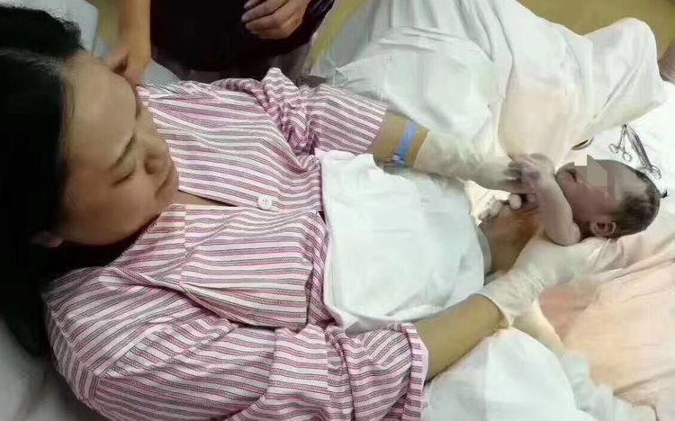 【转】北京时间     厉害!广东一医院产科医生自己给自己接生 - 妙康居士 - 妙康居士~晴樵雪读的博客