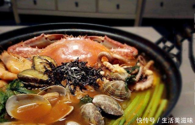 韩国人来中国旅游,这两样东西抢着吃,网友:还好
