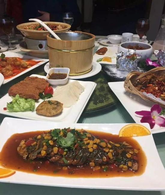 The new wedding even 28: vegetable dish 2000 yuan per table proposed by mother-in-law