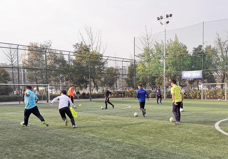 南充奥航圆满结束青训足球教练员考试