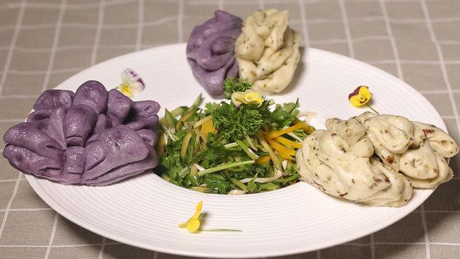 《养生厨房》鲜花套餐——鲜花卷+拌香菜 7月17日17:25播出