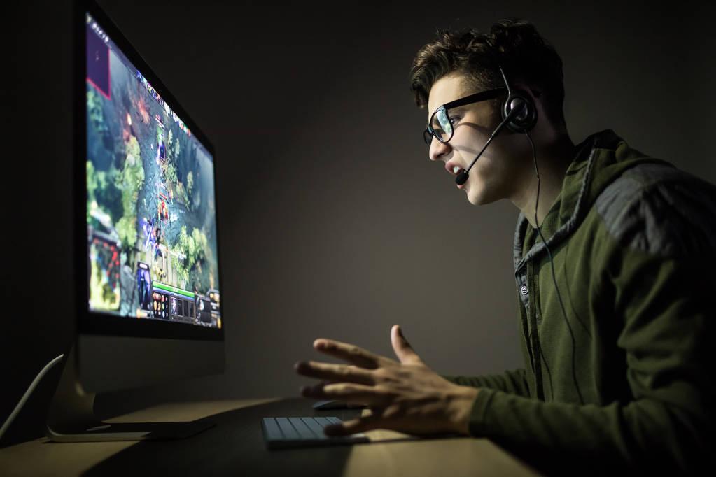 游戏直播行业法律保护白皮书:明确游戏厂商与游戏直播间版权争议问题