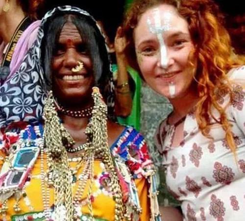 """女子独身去印度 失联后""""一丝不挂""""的被发现"""