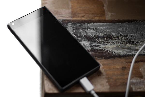 专家:手机一整夜充电也不影响电池 放心去睡觉 - 清泉 - 清泉的第二博客