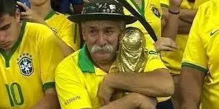 为了把这东西带进世界杯 他甚至找了普京