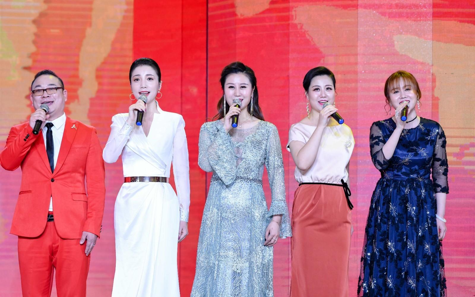 百花迎春2020年春节大联欢 压轴曲首邀胡启圣合唱《到人民中去》