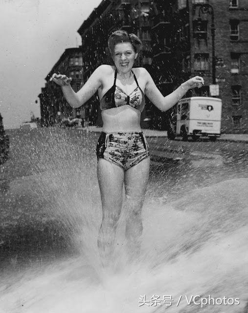 洪水冲进地铁,车祸遗体被围观,他拍下80年前纽约百态