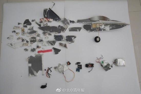 河北村民试飞航天模型