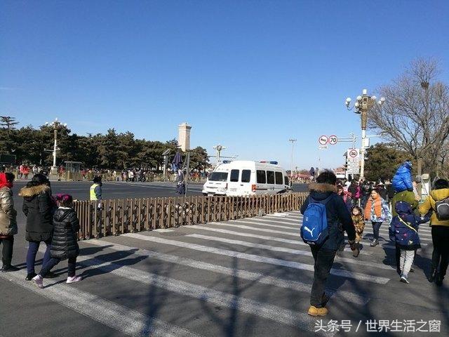 京春节变空城 常住人口加旅游,2018年春节前夕北京游客如潮