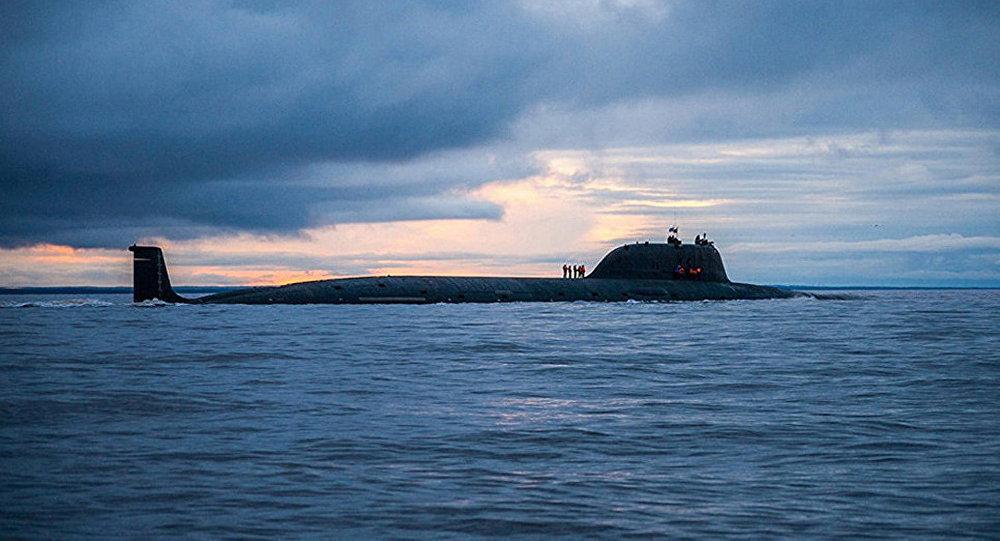 俄亚森级核潜艇发射口径导弹 打击700公里外目标