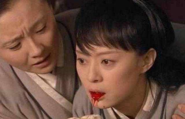 甄嬛从甘露寺回宫的为什么苏培盛要求她穿红色, 是因为皇帝喜欢吗